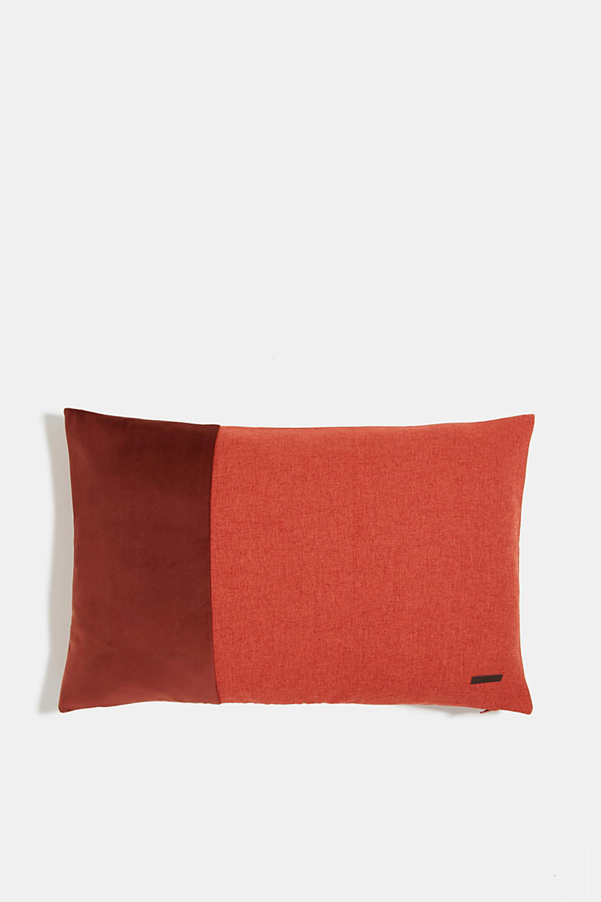Material mix cushion cover with micro-velvet