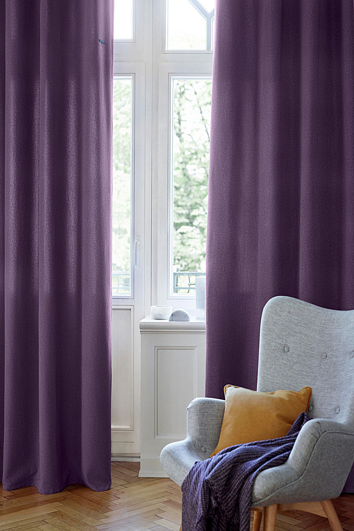 Curtain made of woven fabric
