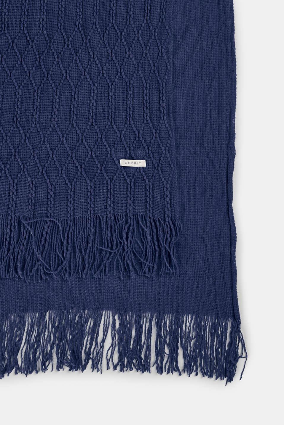 esprit gewebtes plaid mit waben muster im online shop kaufen. Black Bedroom Furniture Sets. Home Design Ideas
