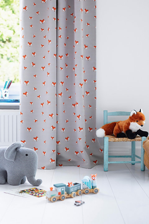 Blackout curtain with fox motifs