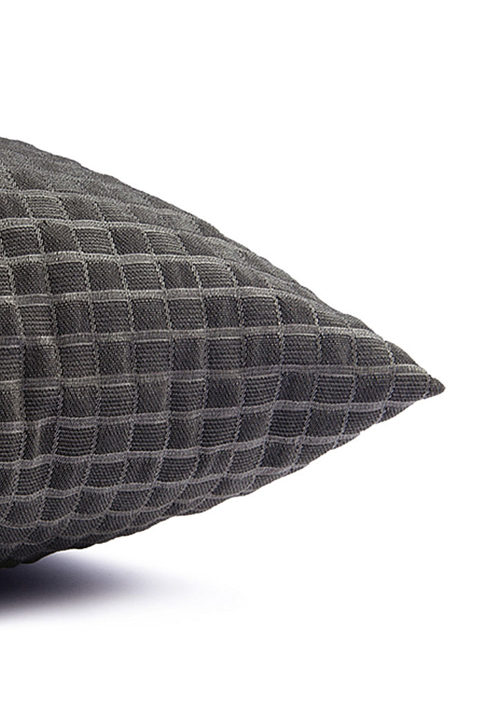 Recycled: Cushion cover with a 3D check pattern, ANTHRACITE, detail image number 1