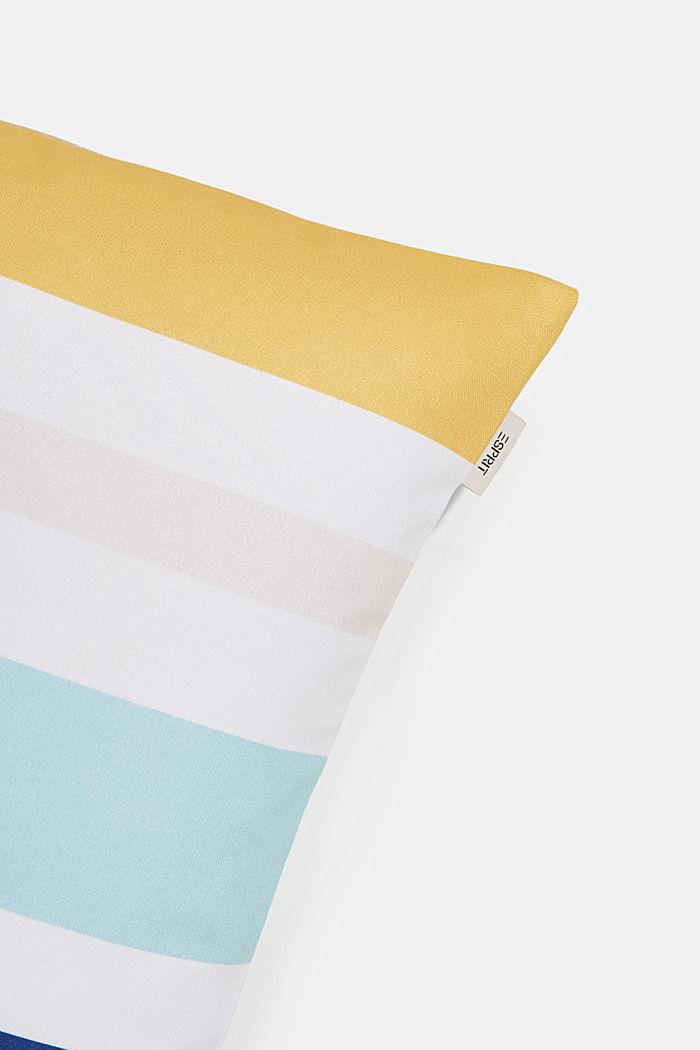 Kissenhülle mit bunten Streifen