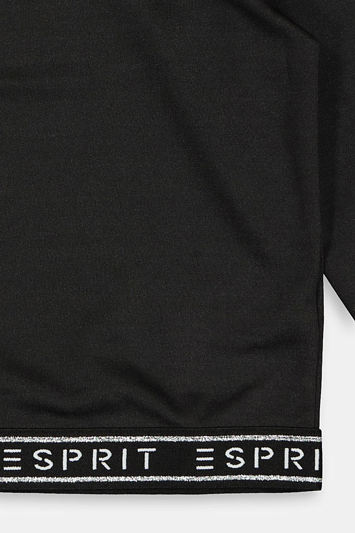 Cropped practical top with a logo hem