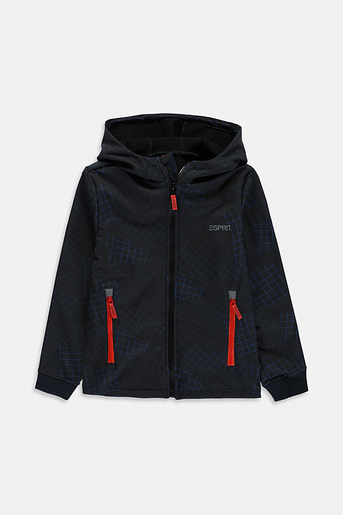 Softshell jacket with reflective details