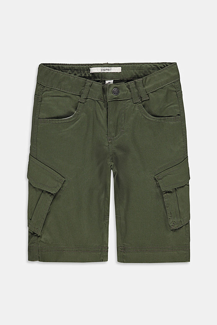 Cargo shorts with adjustable waistband