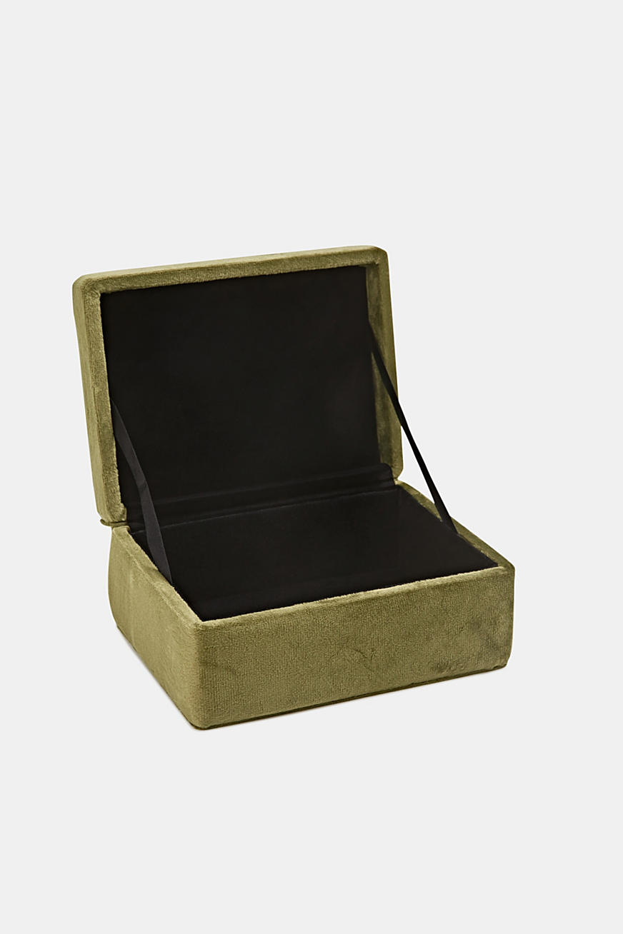 Velvet box with a lid