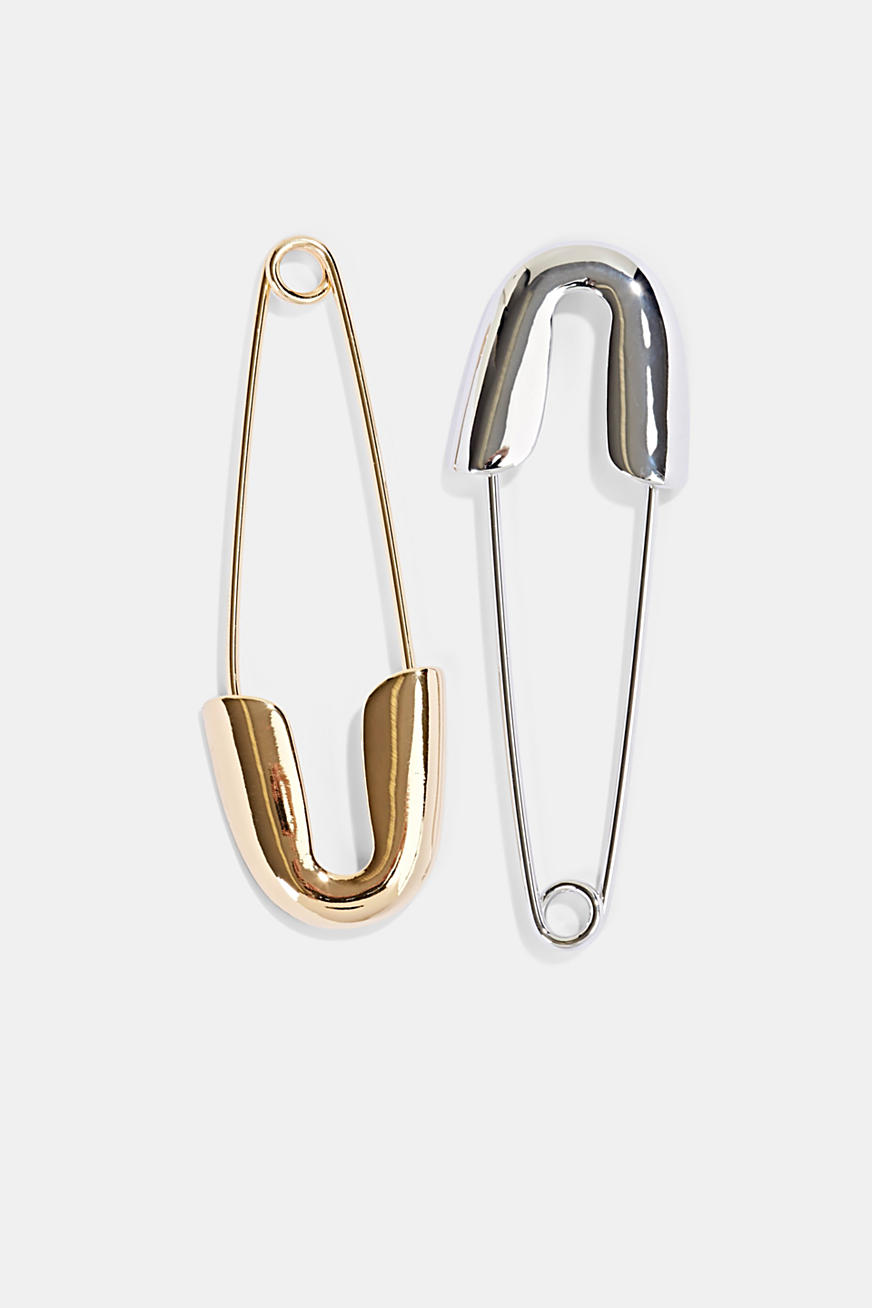 Set of two metal clips