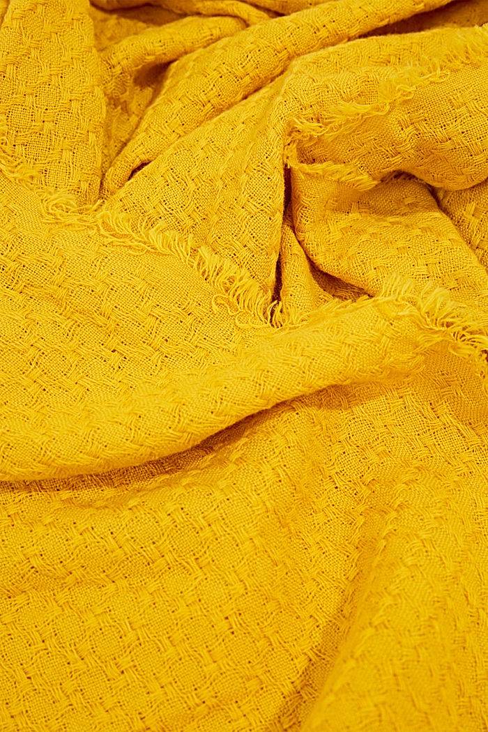 Textured scarf made of 100% organic cotton, BRASS YELLOW, detail image number 2