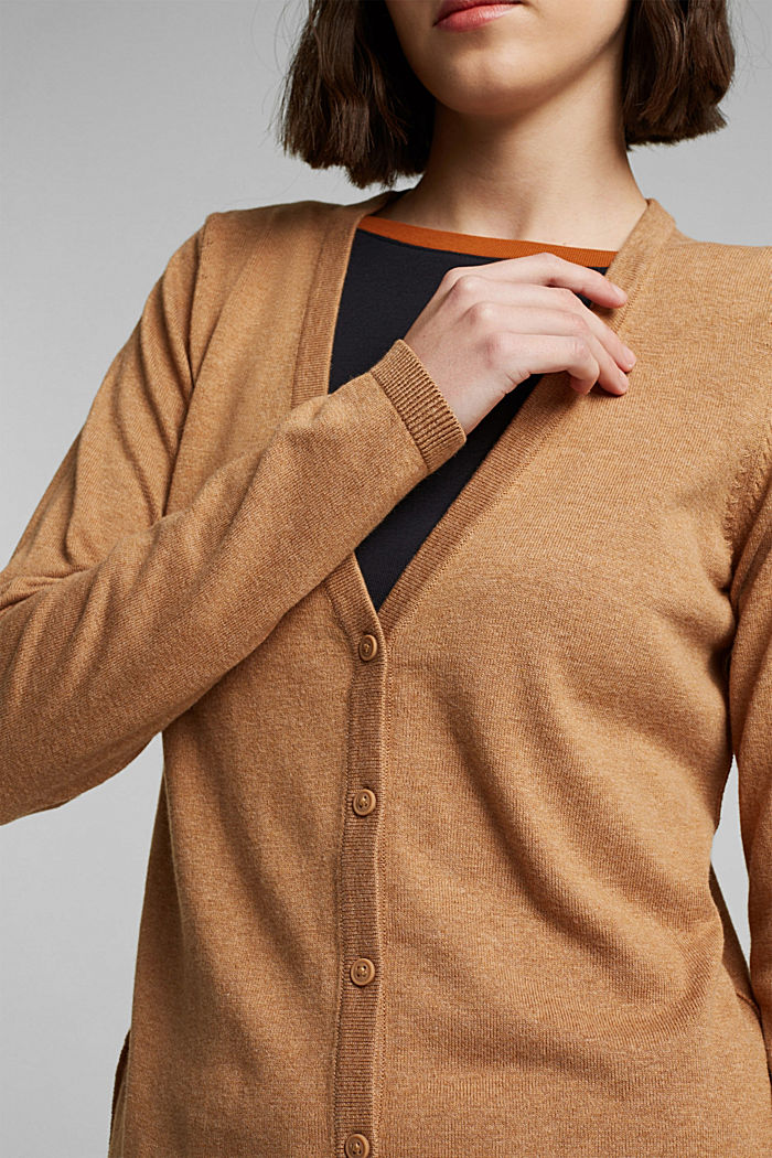 Basic V-neck cardigan with organic cotton, CARAMEL, detail image number 2