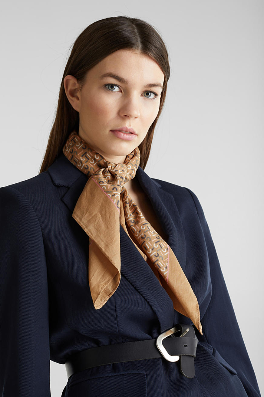 Monogram scarf made of 100% cotton