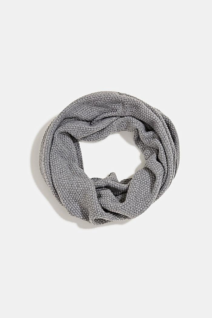 Loop-Schal aus recyceltem Garn