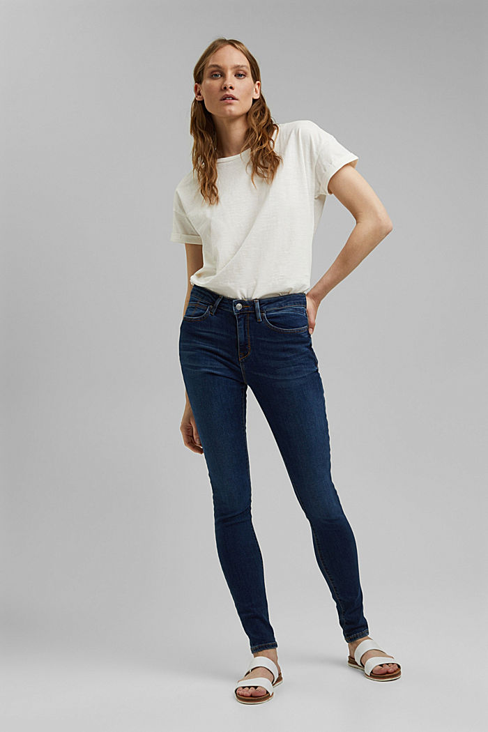 Garment-washed jeans with organic cotton