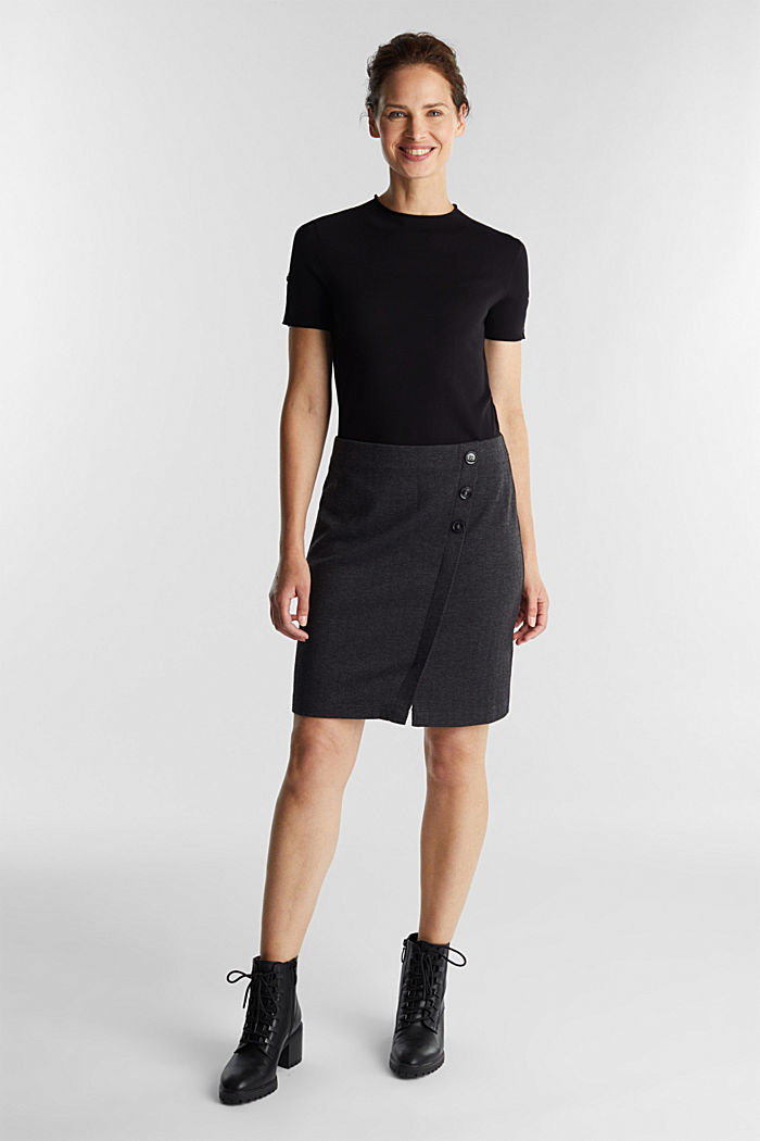 Jersey skirt with a herringbone pattern
