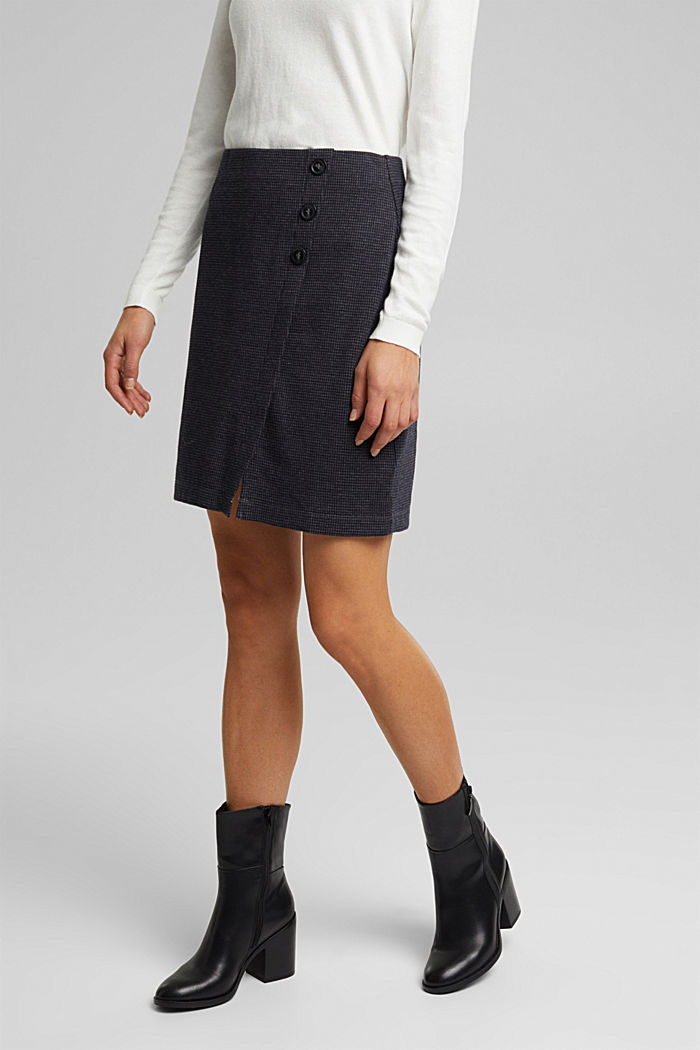 Jersey skirt with a houndstooth pattern