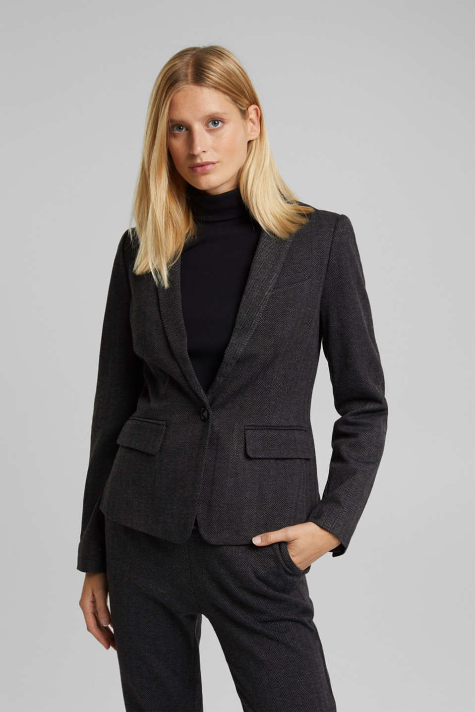 Esprit - Blazer with a herringbone pattern
