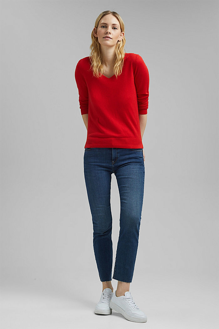 V-neck jumper containing organic cotton, RED, detail image number 1