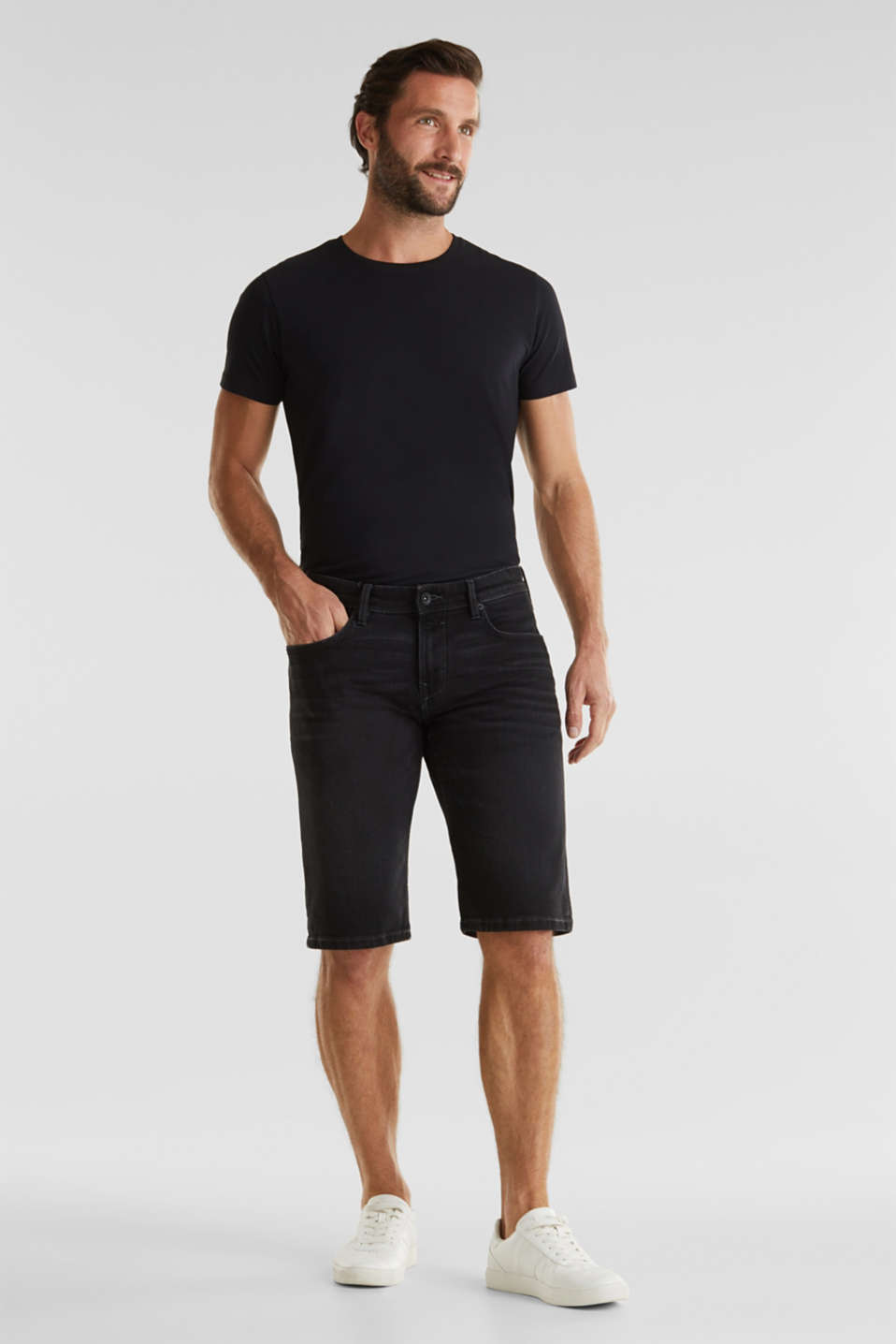 Denim shorts with organic cotton, BLACK MEDIUM WASH, detail image number 1