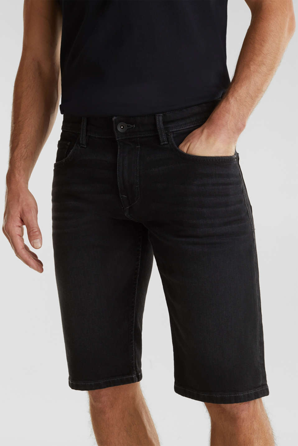 Denim shorts with organic cotton, BLACK MEDIUM WASH, detail image number 2