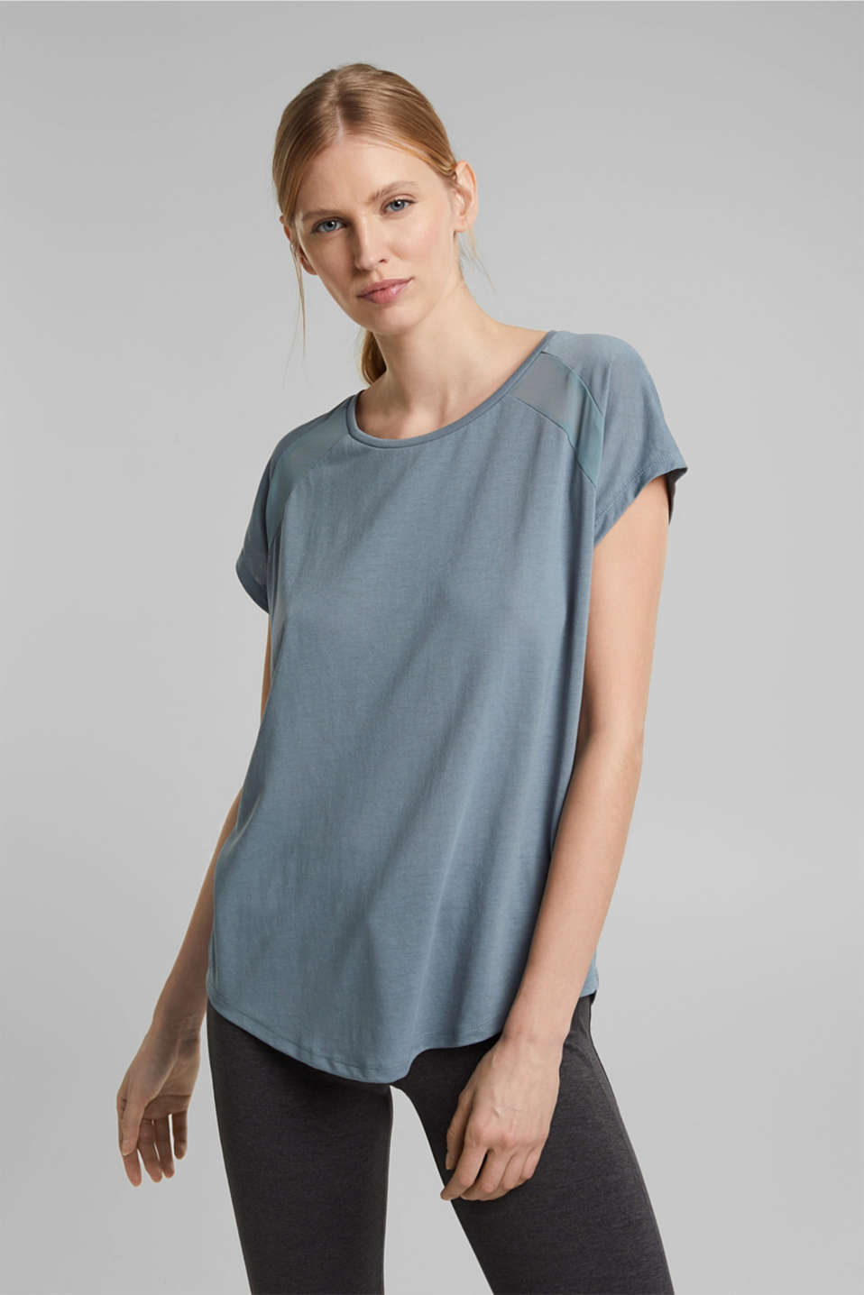 Esprit - Recycled: T-shirt with mesh inserts
