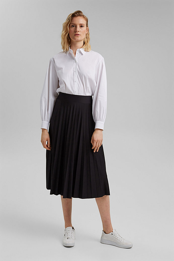 Recycled: Pleated skirt with an elasticated waistband