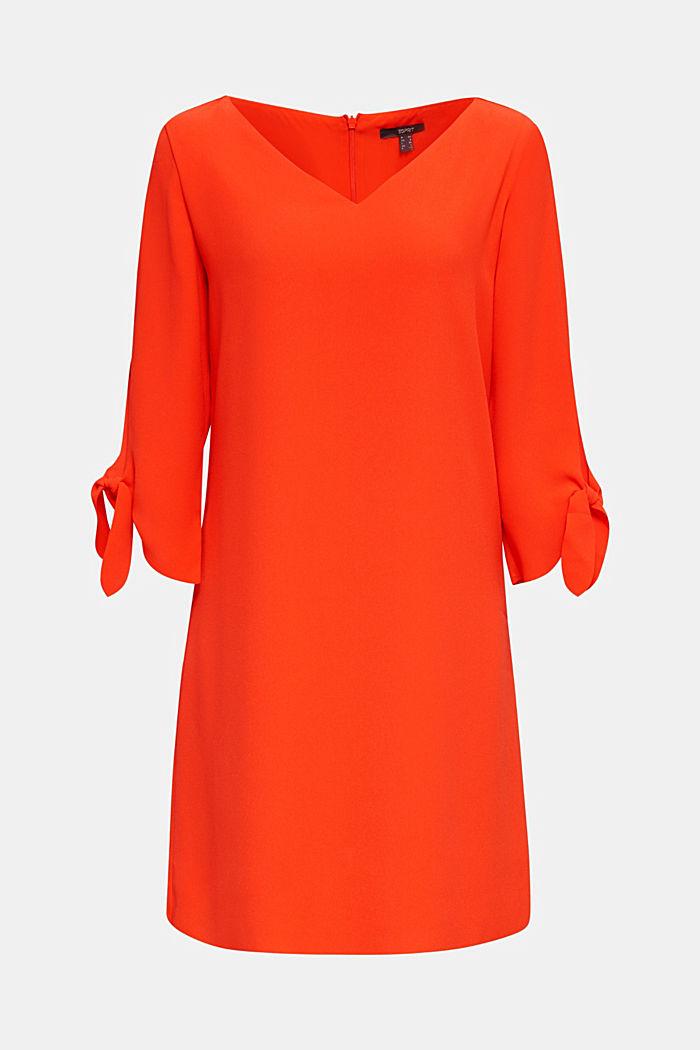 Crêpe jurk met lasercut details