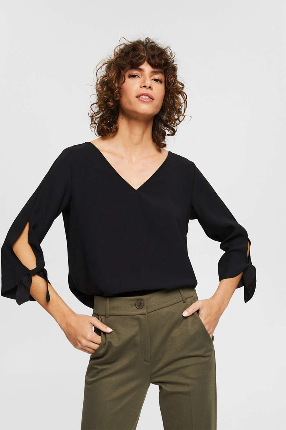 Esprit - Stretch blouse with open edges