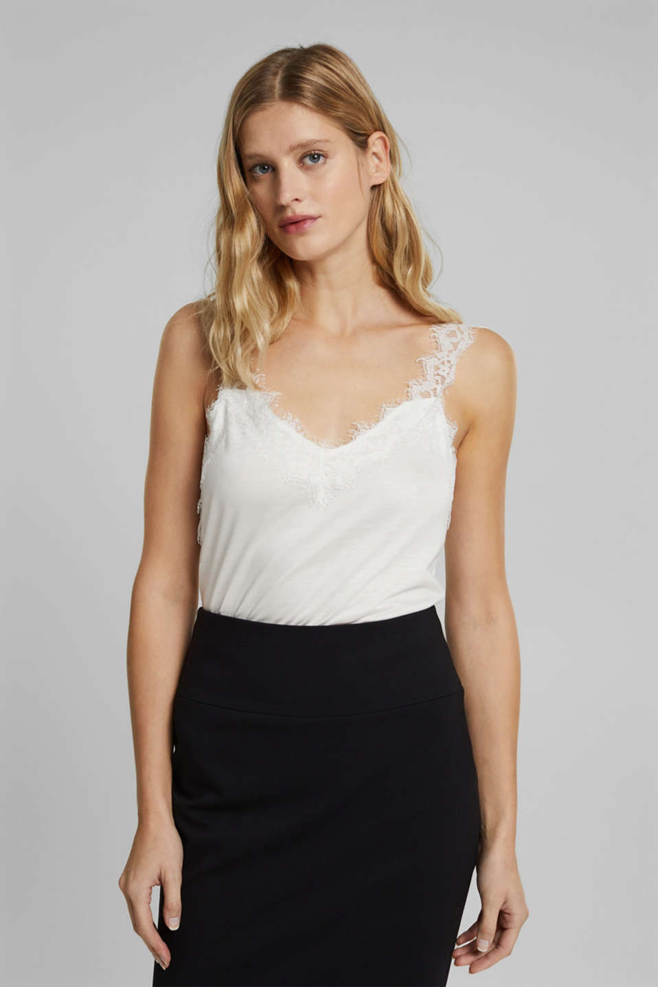 Esprit - Jersey top with lace
