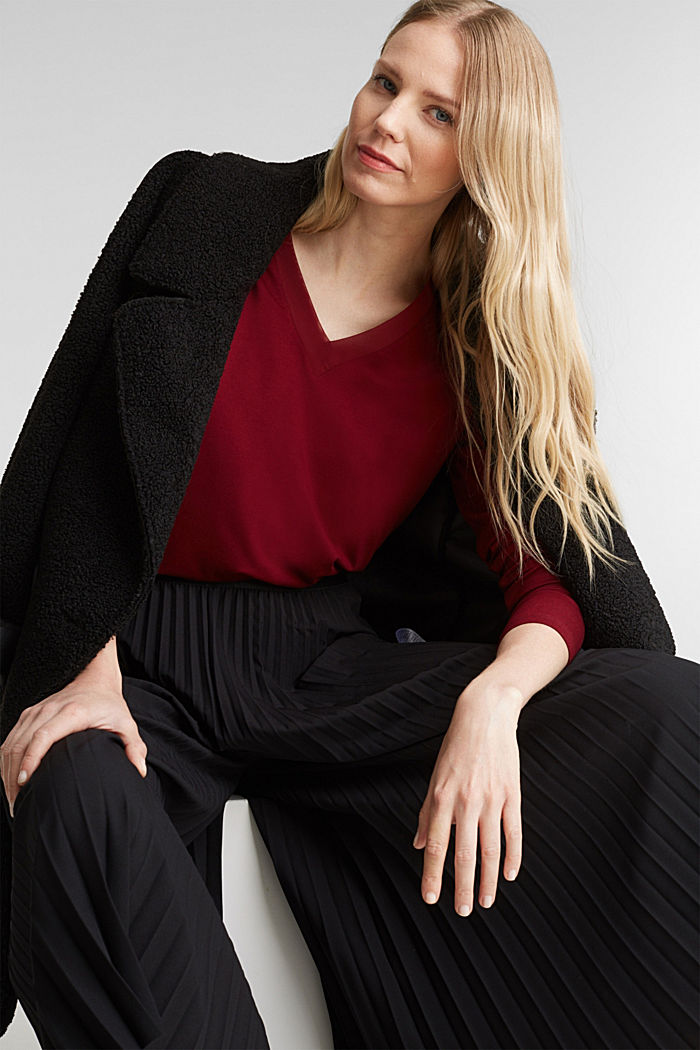Long sleeve top with a V-neckline, BORDEAUX RED, detail image number 1