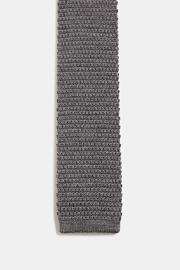Made of 100% wool: Knit scarf