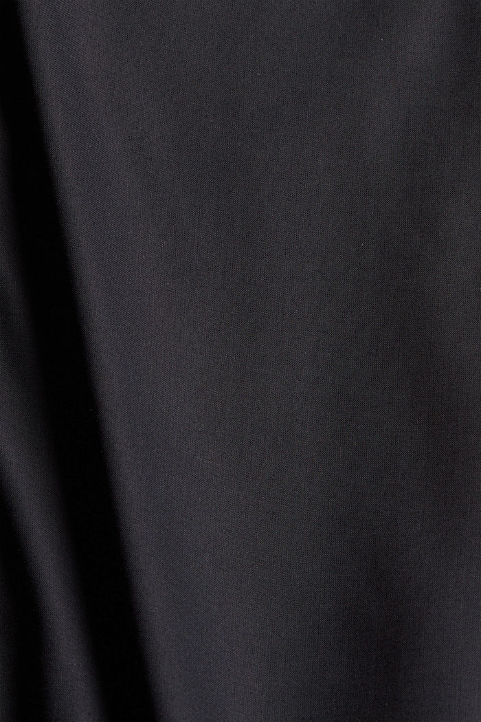 Blusa con scollo a V in LENZING™ ECOVERO™, BLACK, detail image number 4