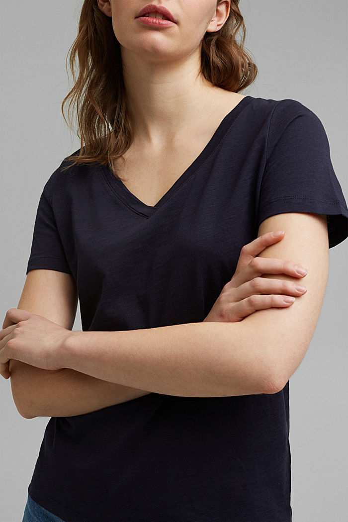 V-Neck-Shirt aus 100% Bio-Baumwolle, NAVY, detail image number 2