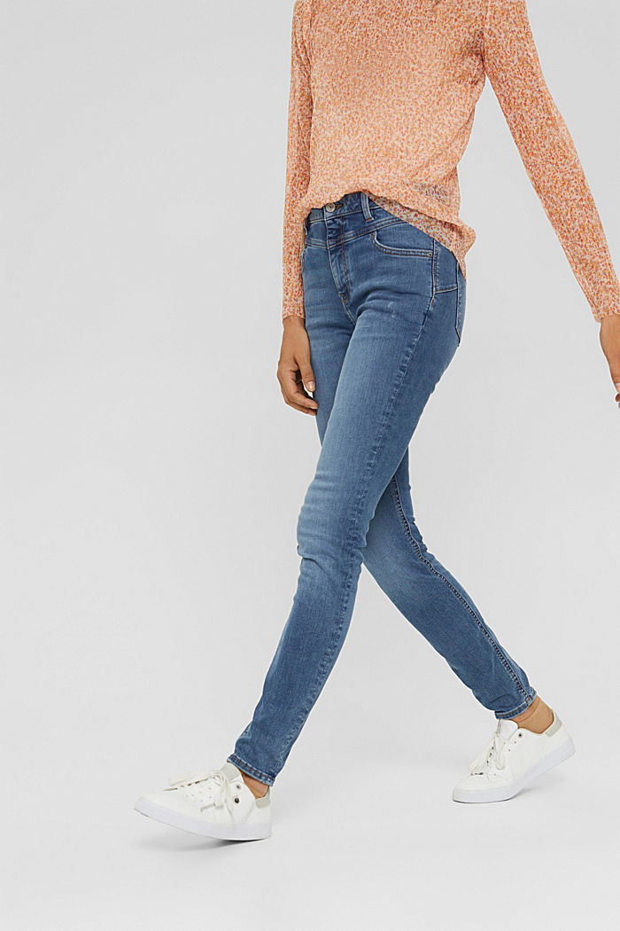 Shaping jeans with a high waistband