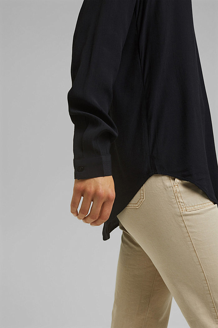 Blouse made of LENZING™ ECOVERO™ viscose, BLACK, detail image number 2