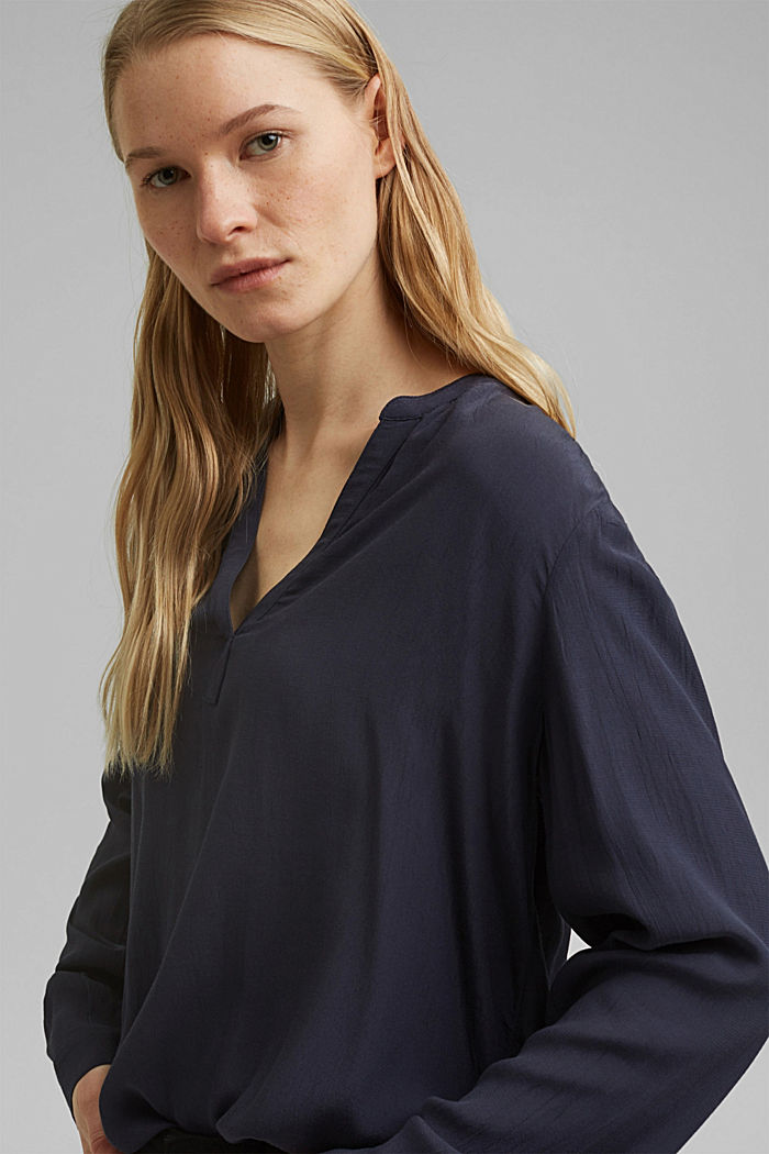 Blouse made of LENZING™ ECOVERO™ viscose, NAVY, detail image number 6