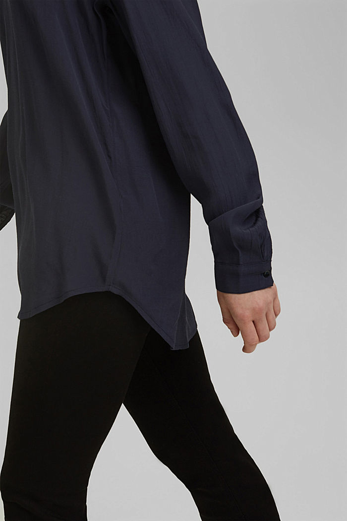 Blouse made of LENZING™ ECOVERO™ viscose, NAVY, detail image number 5