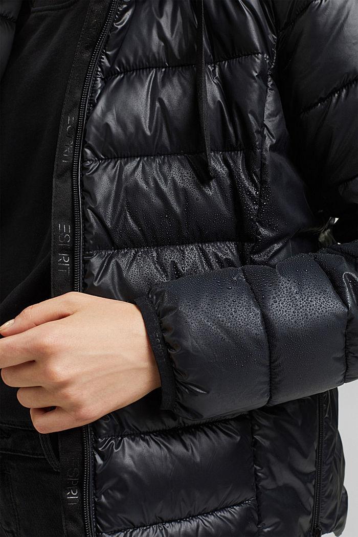 In materiale riciclato: giacca trapuntata con cappuccio regolabile, BLACK, detail image number 2