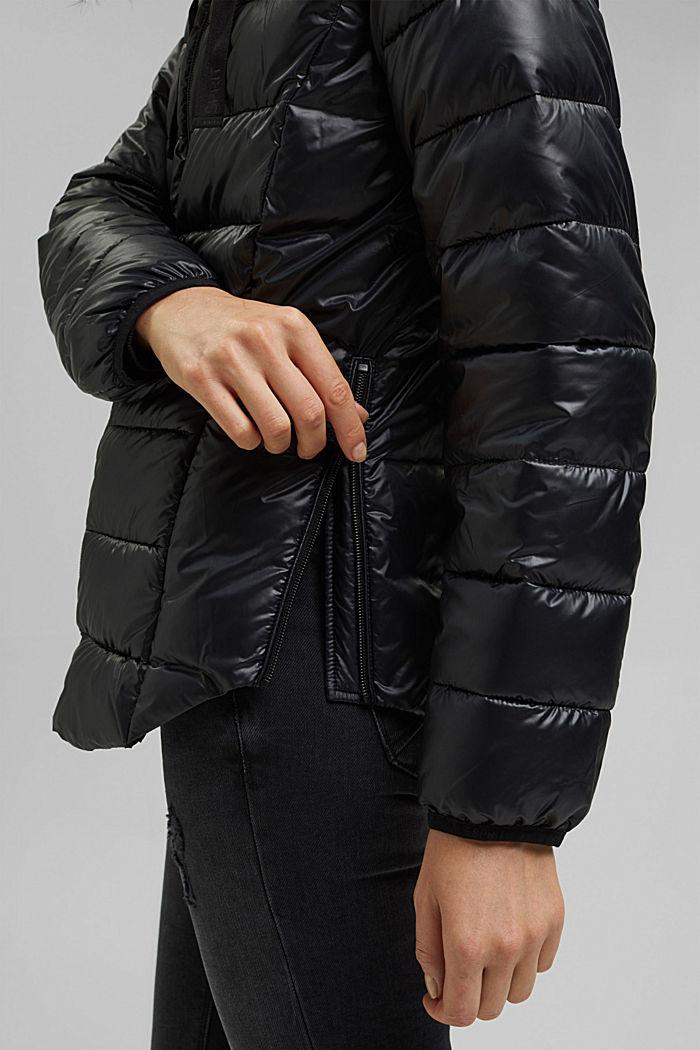 In materiale riciclato: giacca trapuntata con cappuccio regolabile, BLACK, detail image number 5