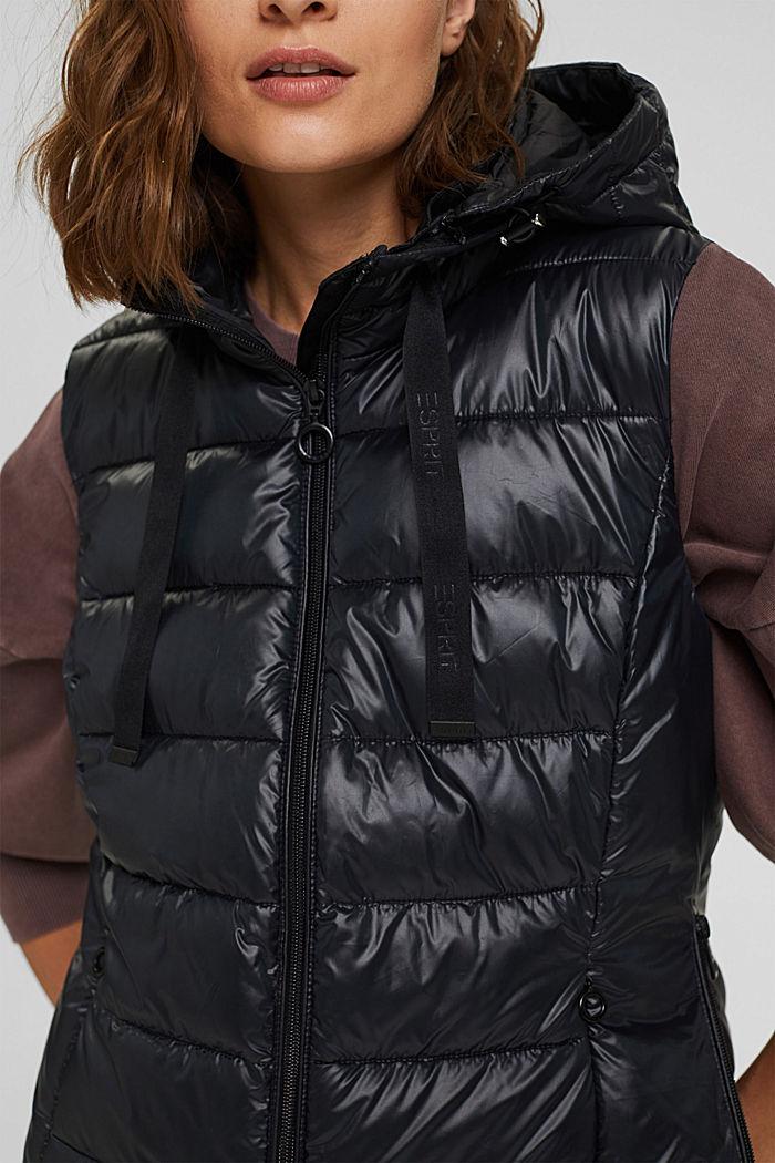 Materiale riciclato: leggerissimo gilet trapuntato con cappuccio, BLACK, detail image number 2