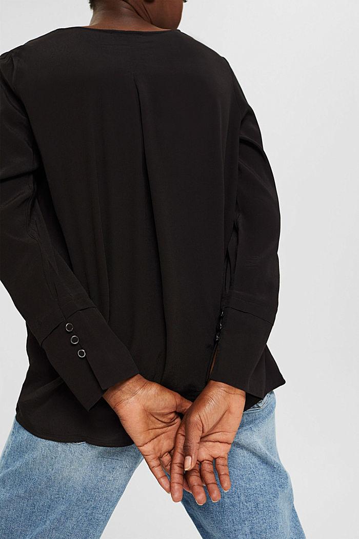 Bluse mit breiten Manschetten, LENZING™ ECOVERO™, BLACK, detail image number 2