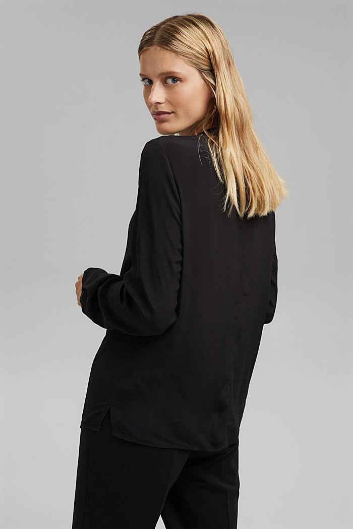 Pleat detail blouse containing LENZING™ ECOVERO™, BLACK, detail image number 3