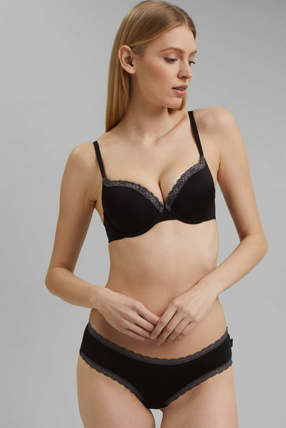 Bras with wire, BLACK, detail image number 0