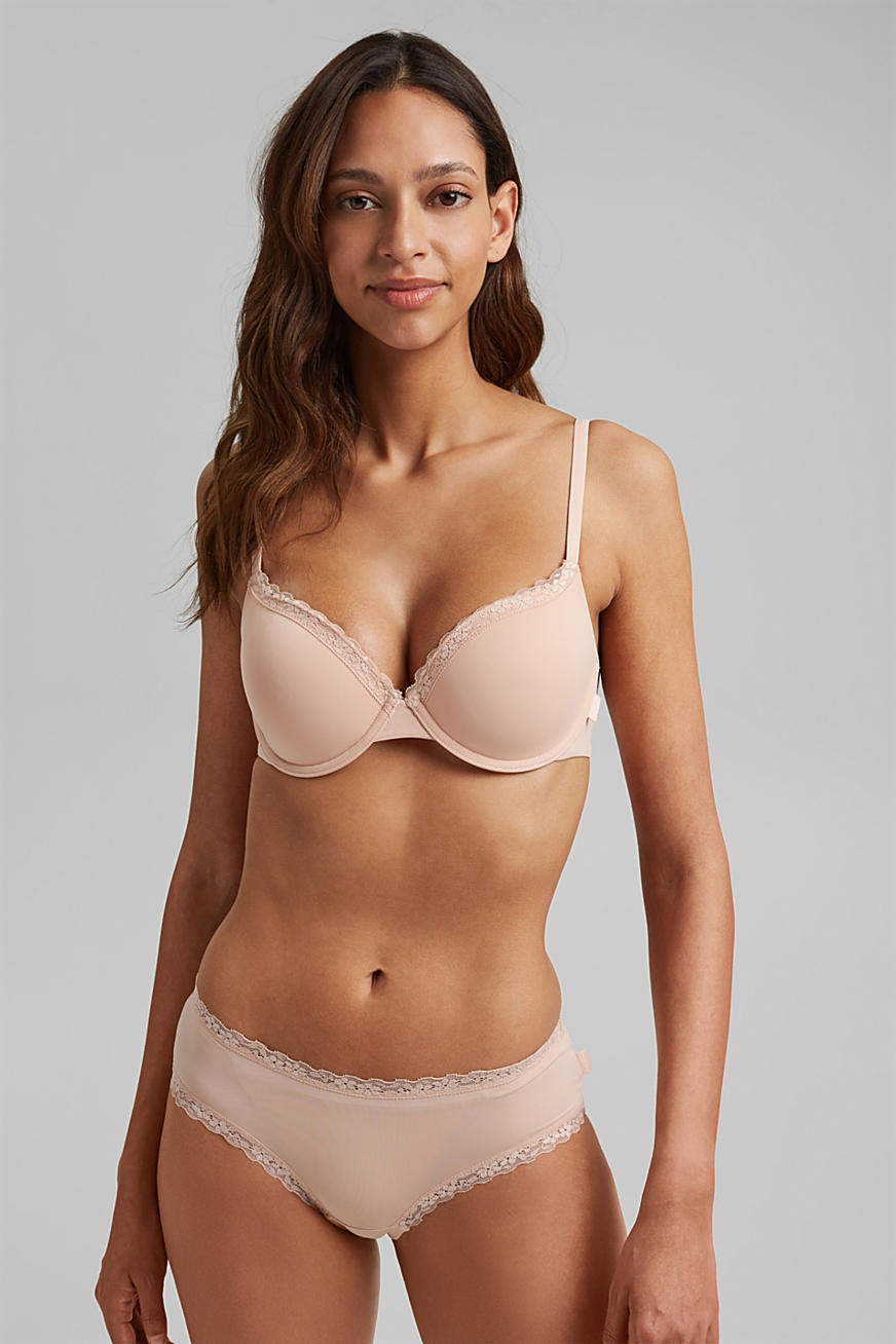 Padded underwire bra with a lace trim