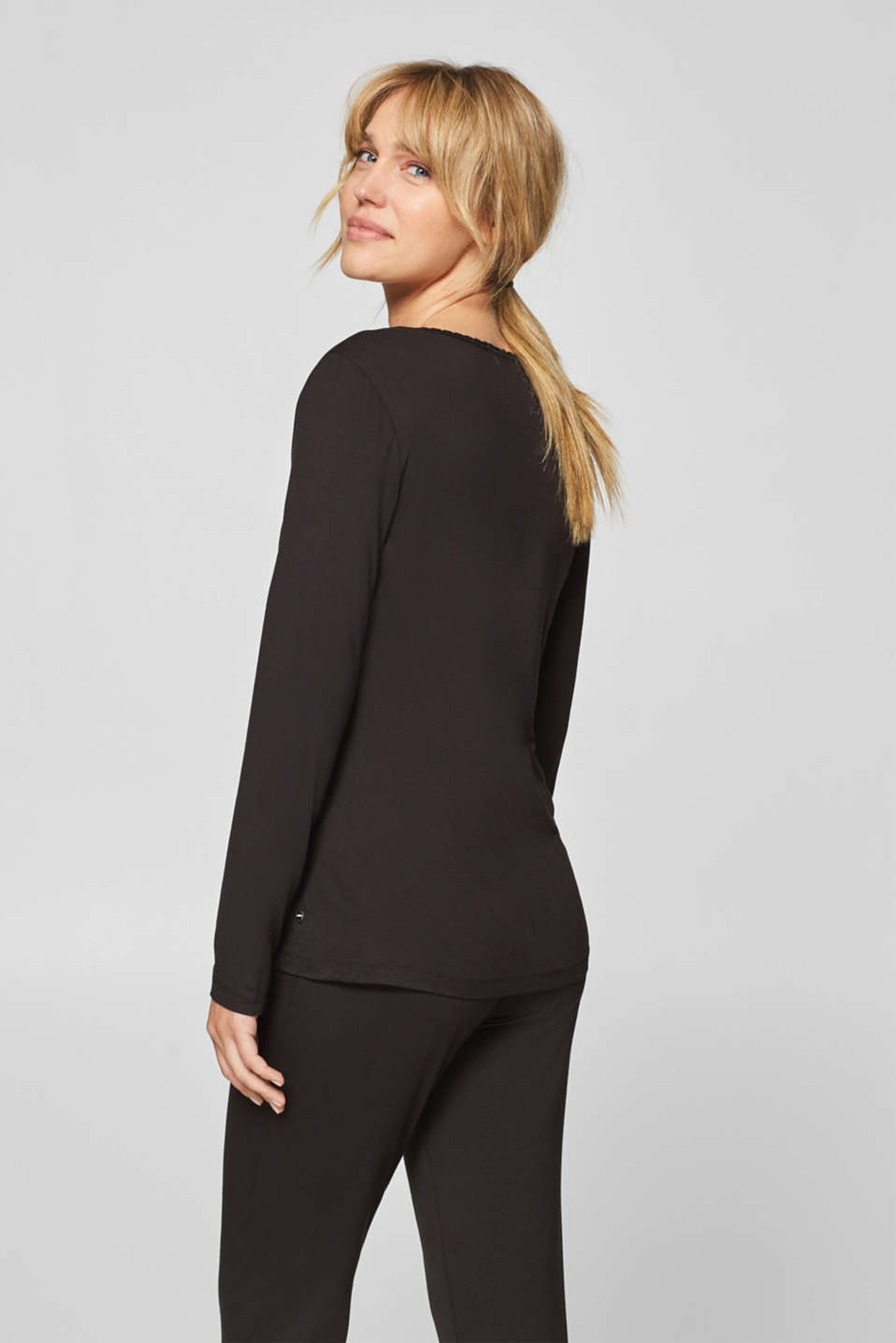 Stretch long sleeve top with a lace neckline, BLACK, detail image number 1