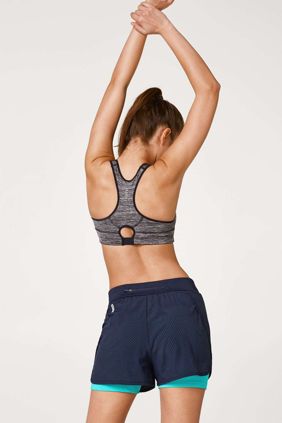 High-impact sports bra in cup sizes