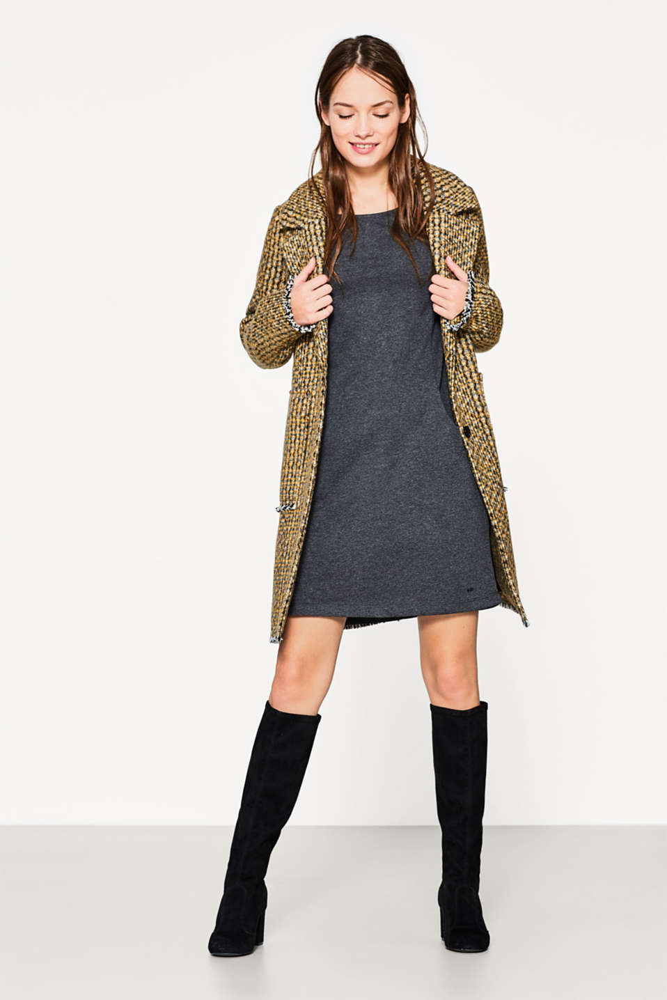 Light sweatshirt dress with pockets