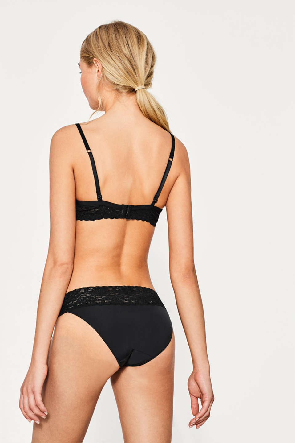 Push-up bra in delicate lace, BLACK, detail image number 1