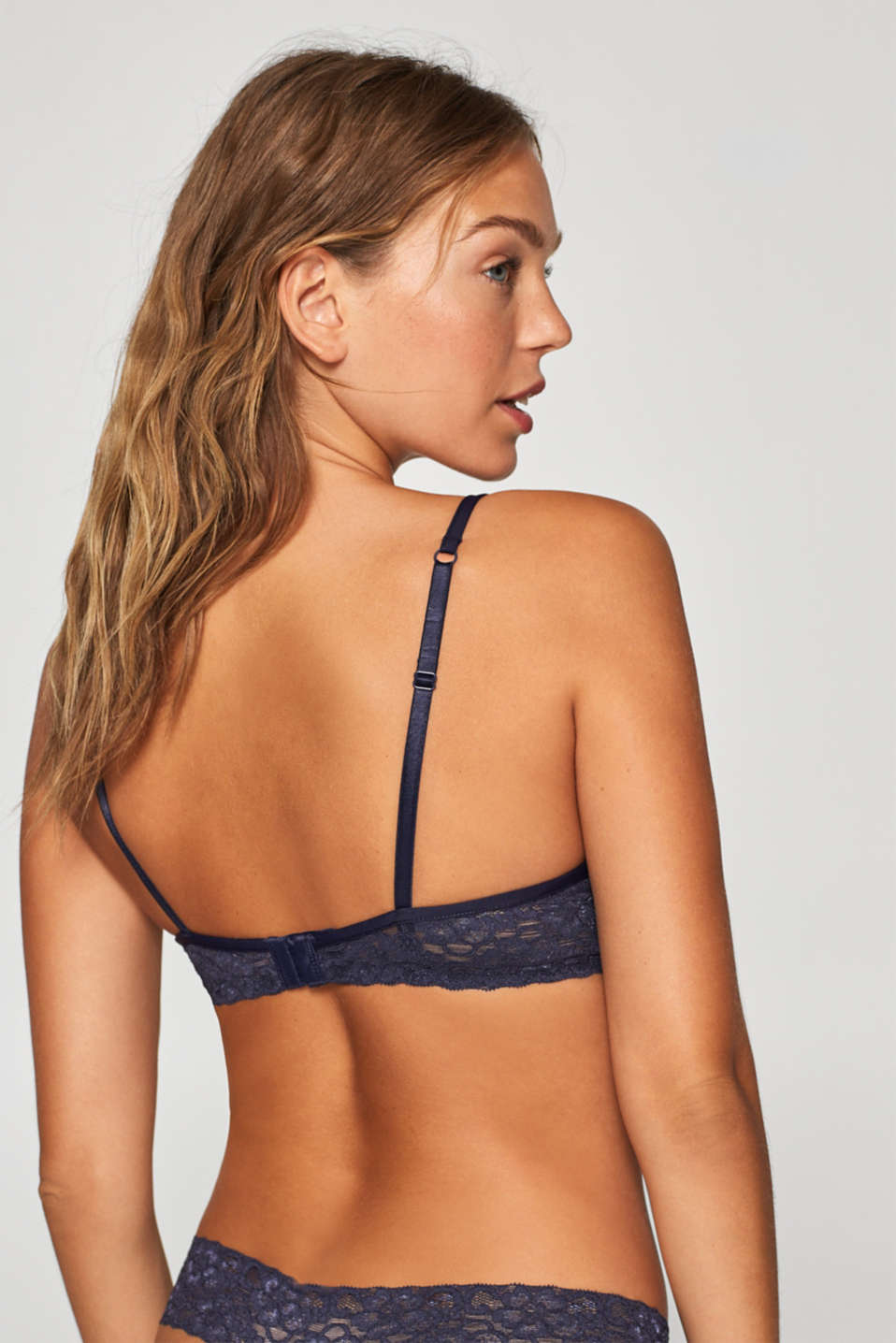 Push-up bra in delicate lace, NAVY, detail image number 1