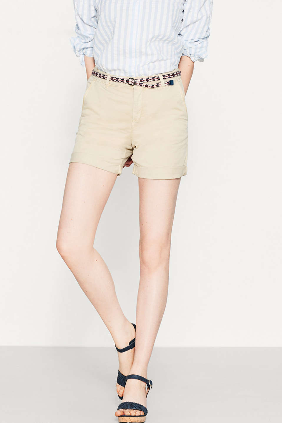 Stretch cotton shorts with a textile belt