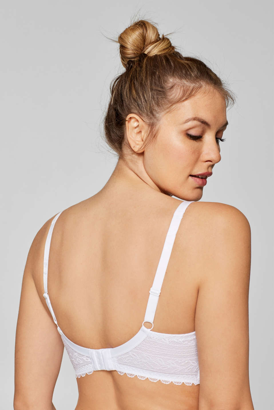 Padded underwire bra for larger cup sizes