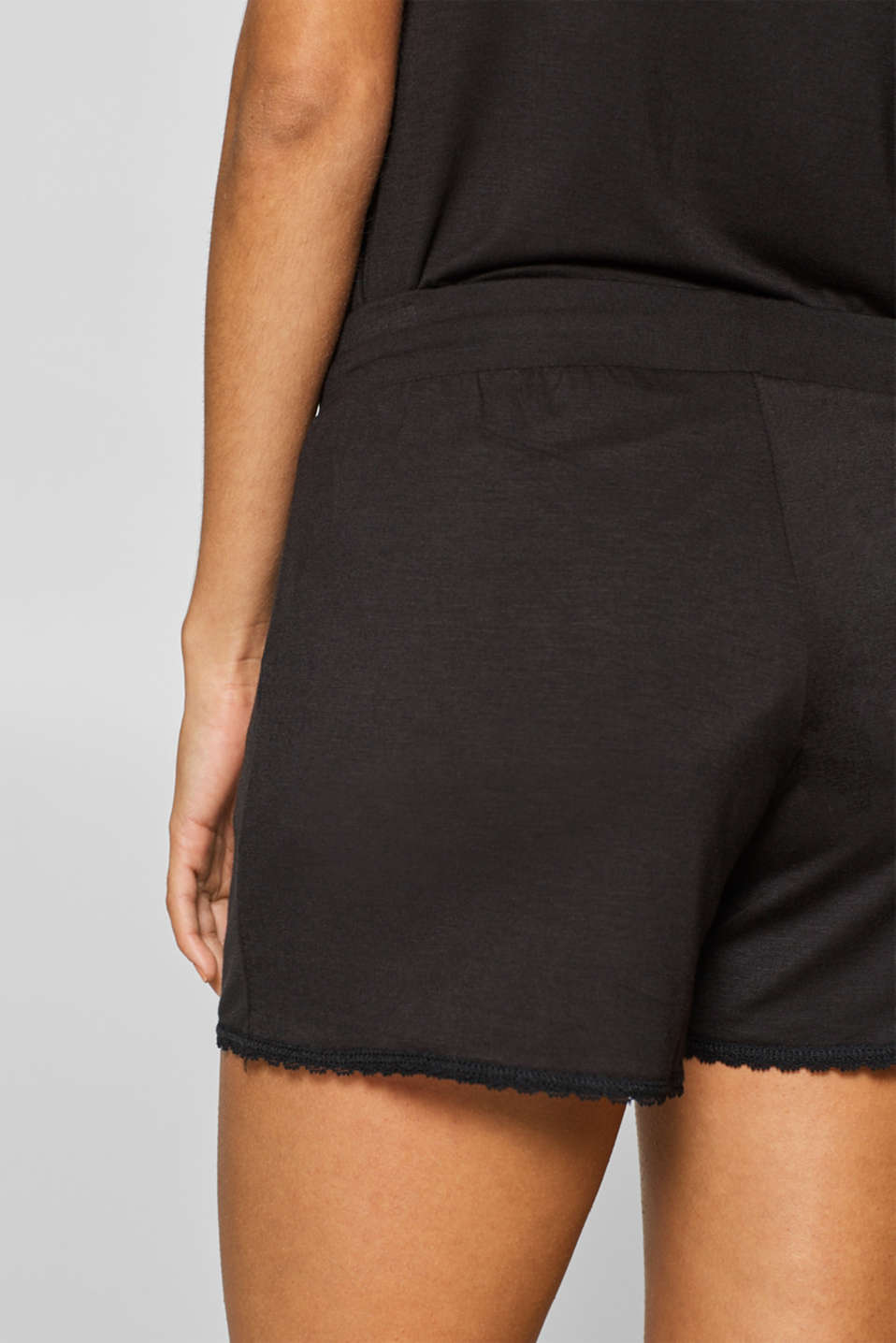Stretch jersey shorts with lace hems, BLACK, detail image number 3